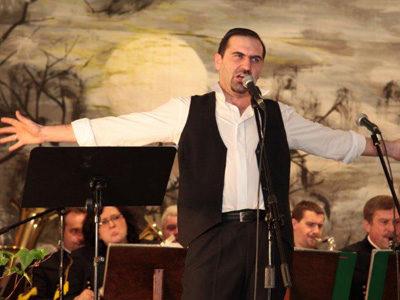 Ireneusz Miczka, baryton, absolwent AM w Katowicach, solista Opery Wrocławskiej